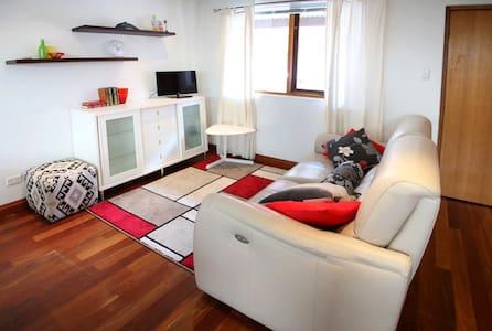 Adelaide CBD Townhouse Apartment - Adelaide - Radhus