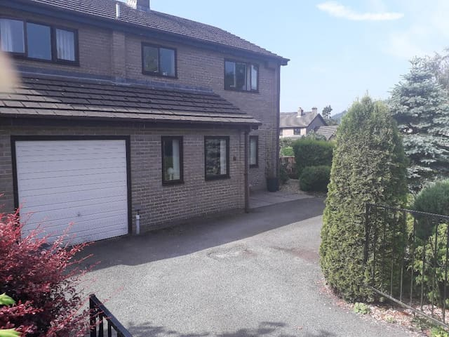 2 rooms in the heart of Mid Wales