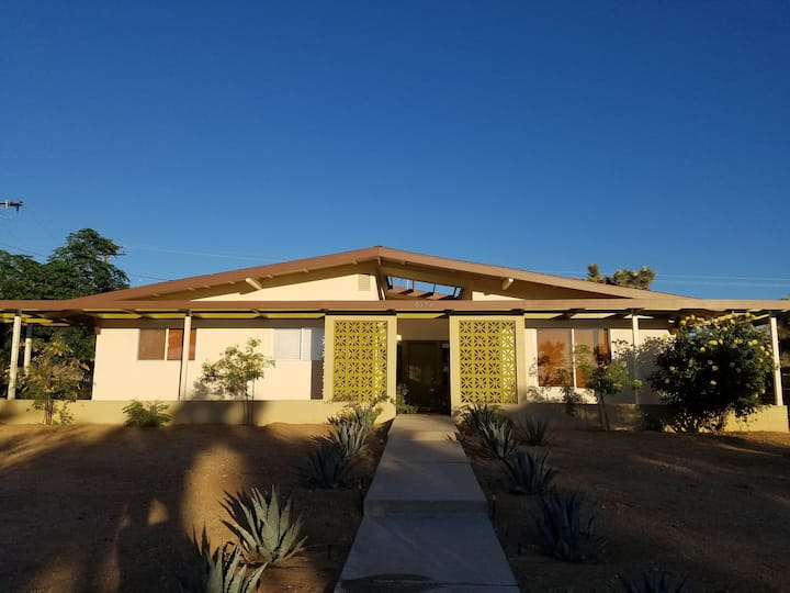 Beautiful mid-century home in the Yucca Valley