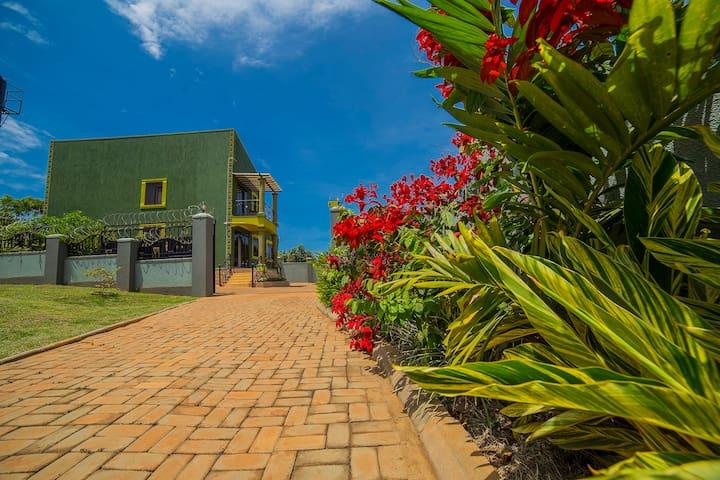 Greens Guest Homes, Mutungo-Kigo ENTIRE HOUSE