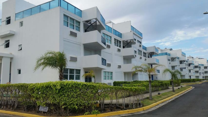 Beachfront (Costamar Beach Village in Loiza, P.R.) - Medianía Alta - Appartement