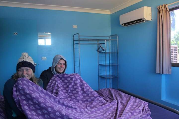 Huge Queen Room in Quiet & Intimate Backpackers
