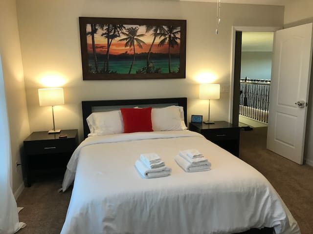 Sunset Suite Near UCF Hotel-like LUXURY 4-less