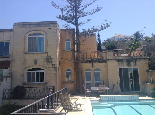 Pool House Flat