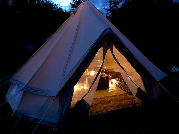 Cozy tipi with beautiful views & green surrounding