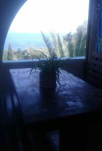 App. Panoramico 300 mt dal mare - Maladroxia