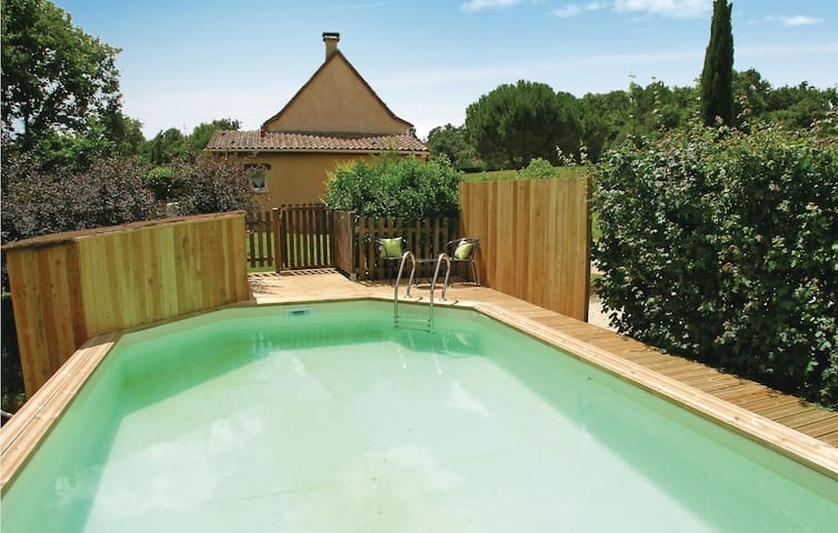 Semi-Detached with 3 bedrooms on 90 m² in St. Julien de Crempse