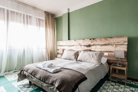 Private room with double bed or twin beds - Pisa