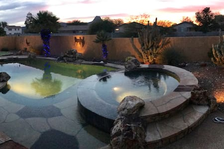 Private Pool, Spa & Putting Green - Marana - Casa