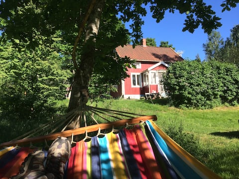 Rustic cottage with huge garden in Dalsland!