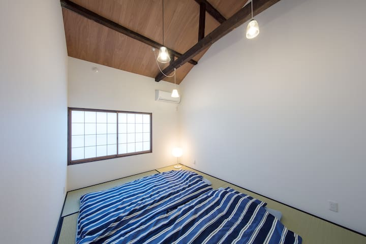 The Japanese room on the second floor can lay a FUTON for three people on a tatami mat.