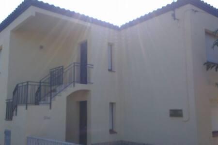 Bel appartement terrasse (90m2) - Creixell - Pis