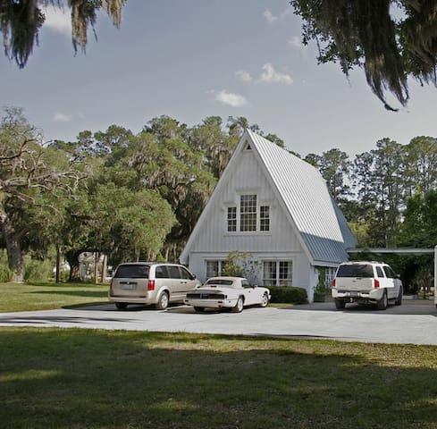 Cottage on Historic Plantation - Bluffton - Cabin