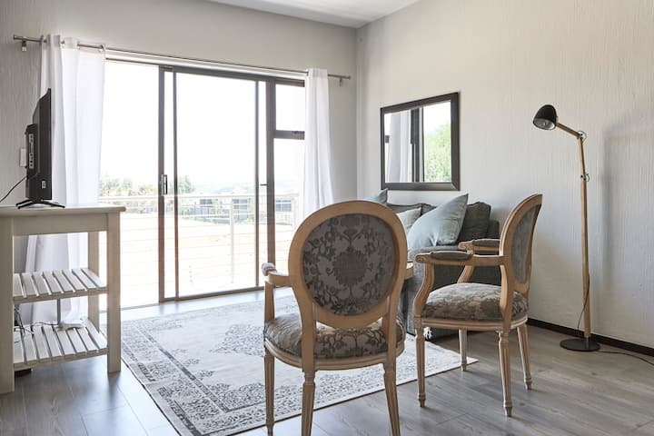 247@SoHo broAdacres:(Broadacres luxury apartment)