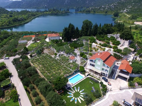 Villa Solo-Family App. with terrace in Nature park