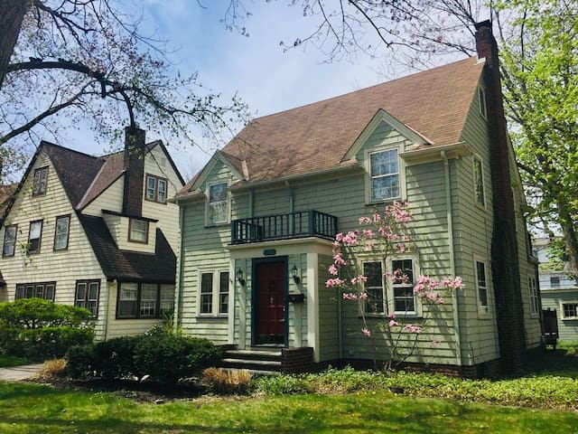 Stay in the Best Shaker Heights Family Area