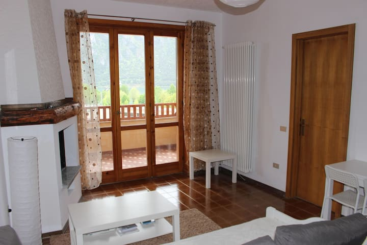 Sehr schönes Apartment mit Seeblick in Strandnähe