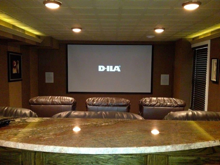 Theatre/cinema Room