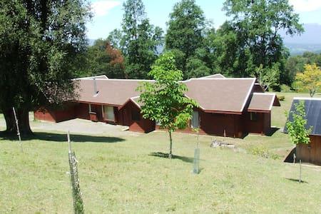 exelente casa de 200m2 a 10min del lago caburgua - Pucón - Hus