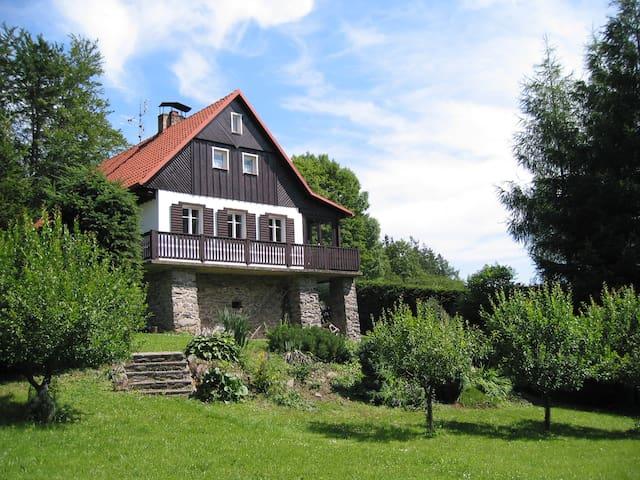 Deserted cottage at Lomy - Osečnice - Hytte (i sveitsisk stil)