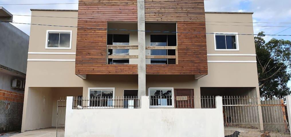 Casa com 2 quartos e 3 banheiros Campeche Floripa
