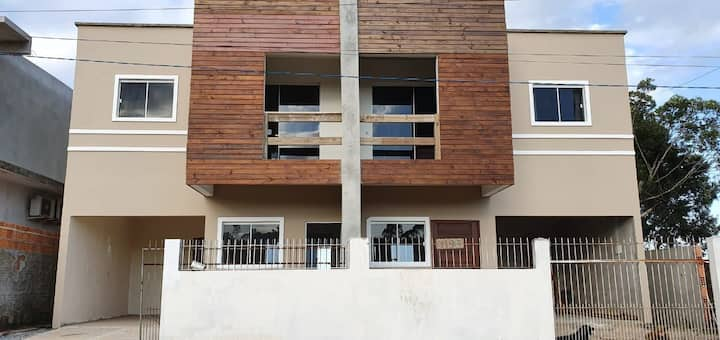 Casa Campeche Floripa- 2 quartos e 2 banheiros.