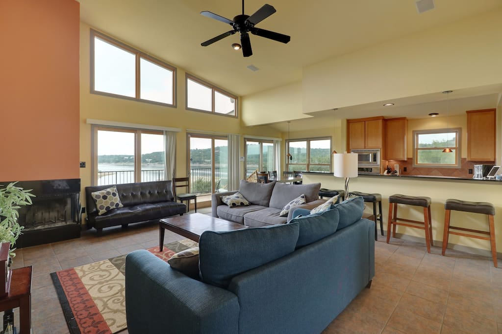 Lots of light, comfort, and beautiful views!