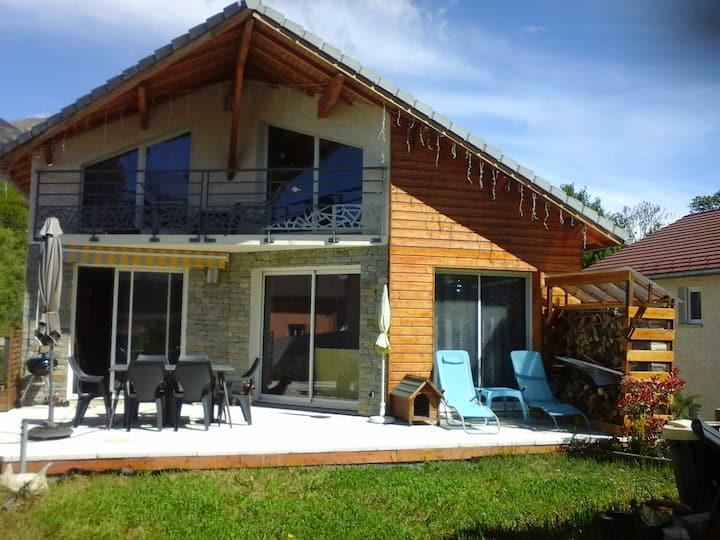 chambre sympa et salon av balcon près Charance