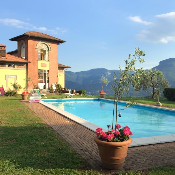 Splendid Liberty villa with pool