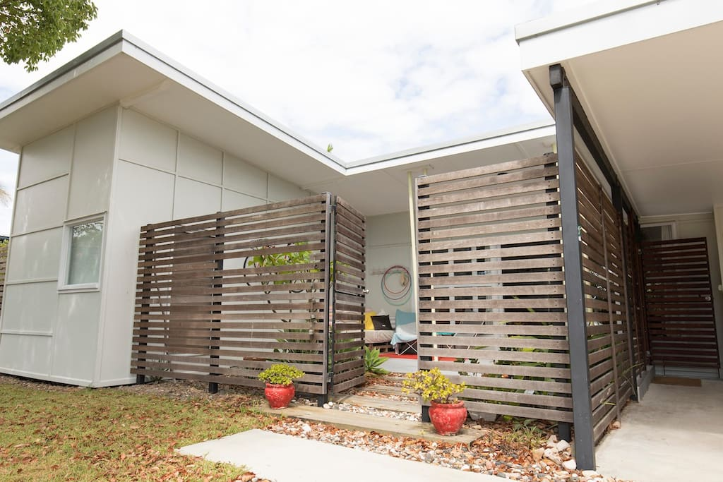 Mid century beach house - Houses for Rent in Maroochydore ...