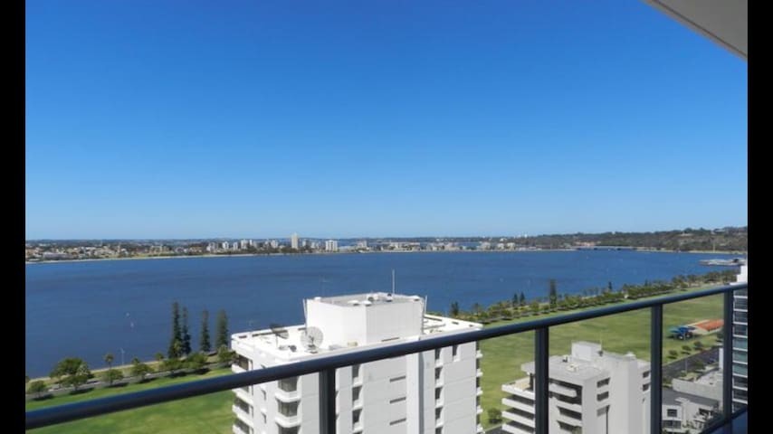 Single room in luxury apartment - East Perth - Appartamento