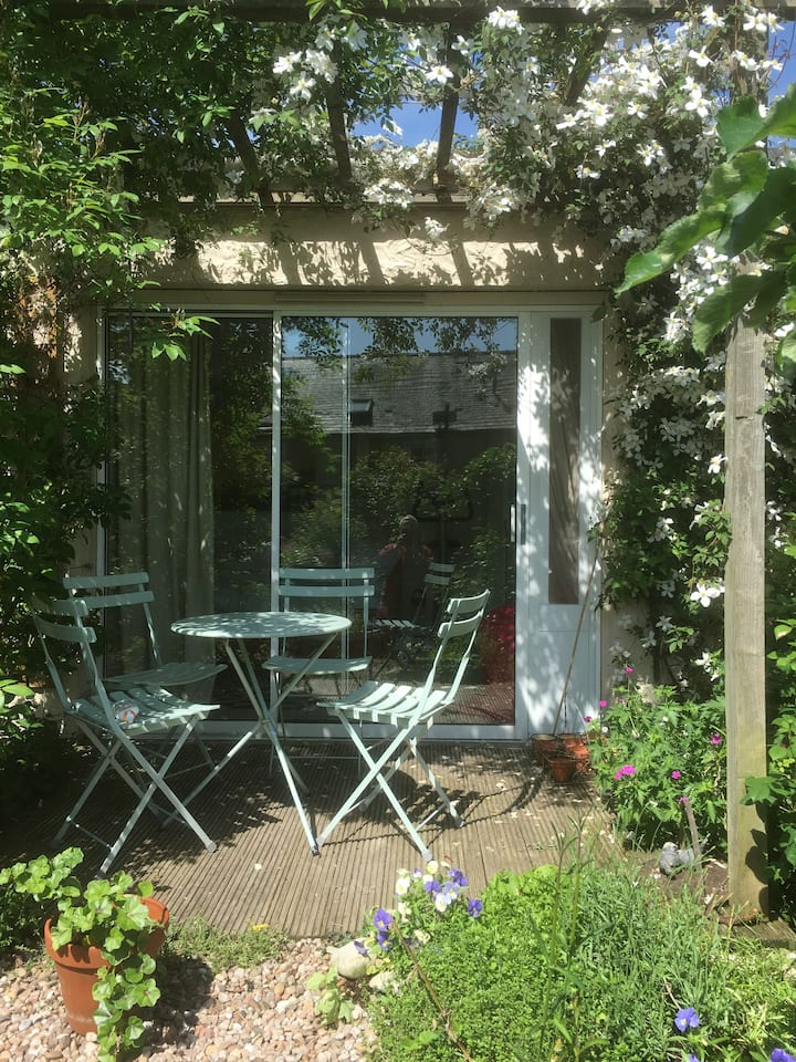 Private ensuite room for one in Town Yetholm