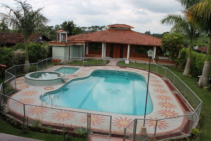el mejor lugar para descansar tranquilidad total - Quimbaya - Chalet