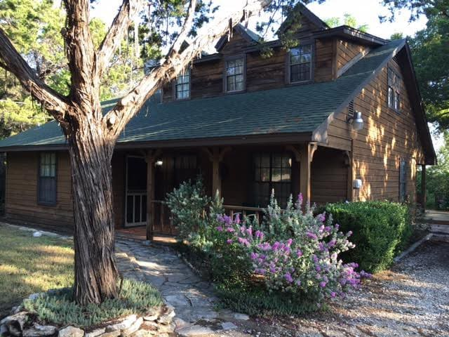 Artsy Lake House in Granbury - Granbury - Dům