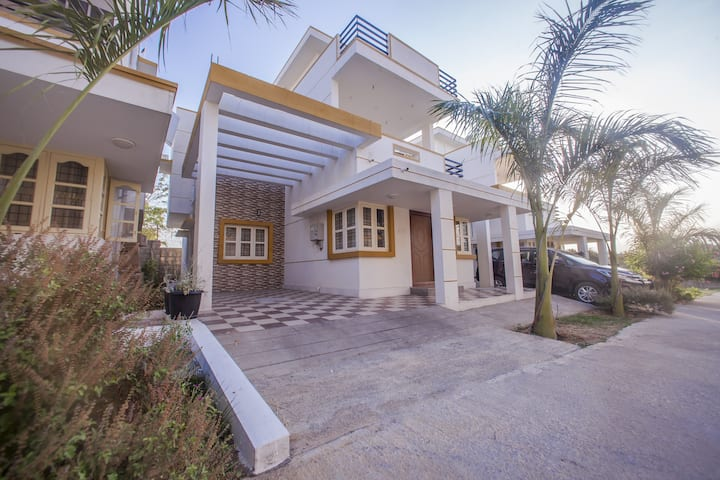Luxury 2BHK with a shared pool for family getaway