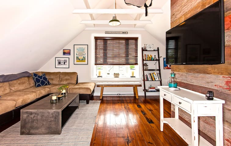 Downtown Charleston Luxury Loft