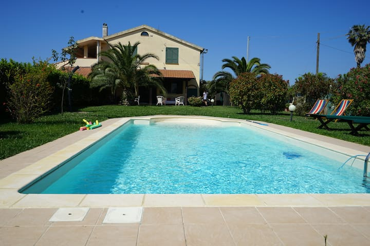 Pool & Relax in Maremma countryside, 5' to beach!