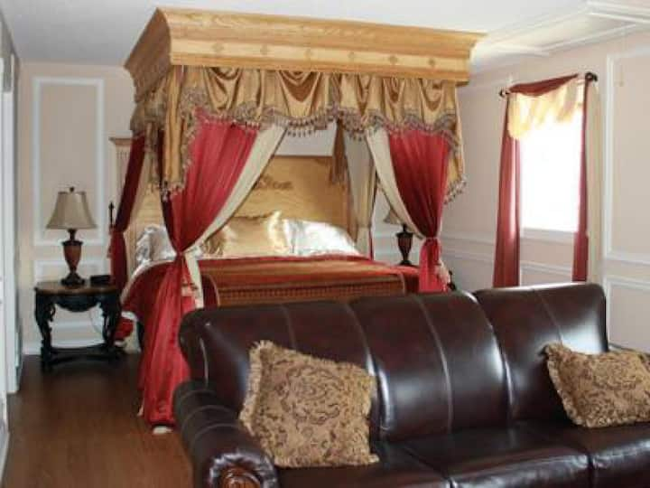 Woodrow House - Honeymoon Suite