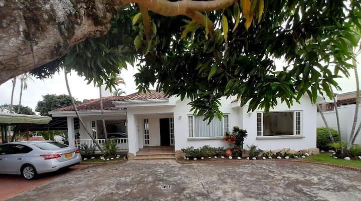 Hermosa Villa en La Mesa, Cundinamarca