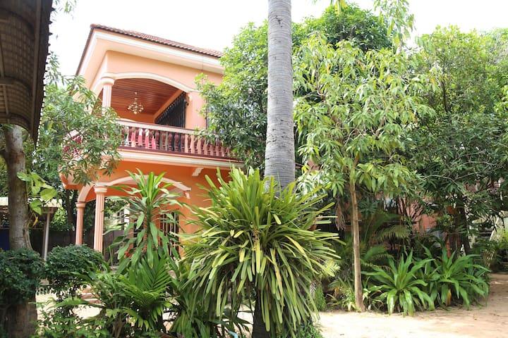 SiemReap Apartment HomeStay #2,2nights free pickup