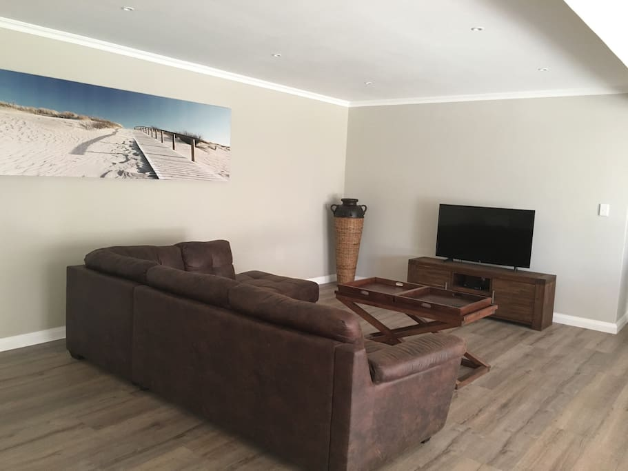 lounge area with TV (full DSTV)