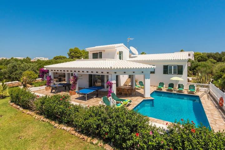 Villa Marisol Sea - House with pool