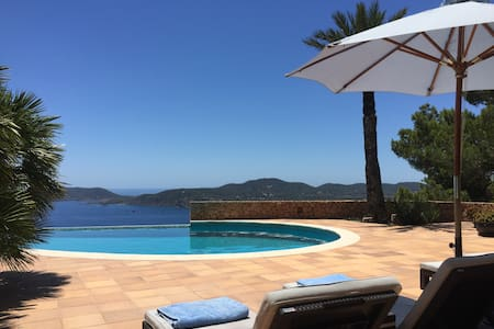 Superb villa with tremendous view - Sant Joan de Labritja