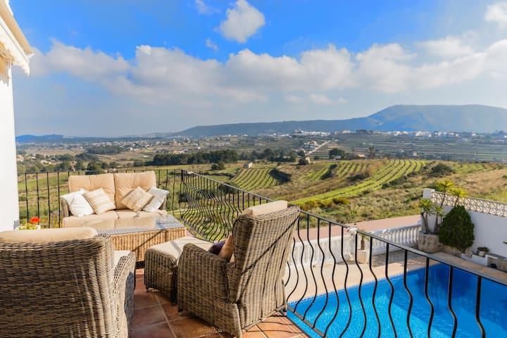 Villa Colina Panoramic View, Modern &Private Pool