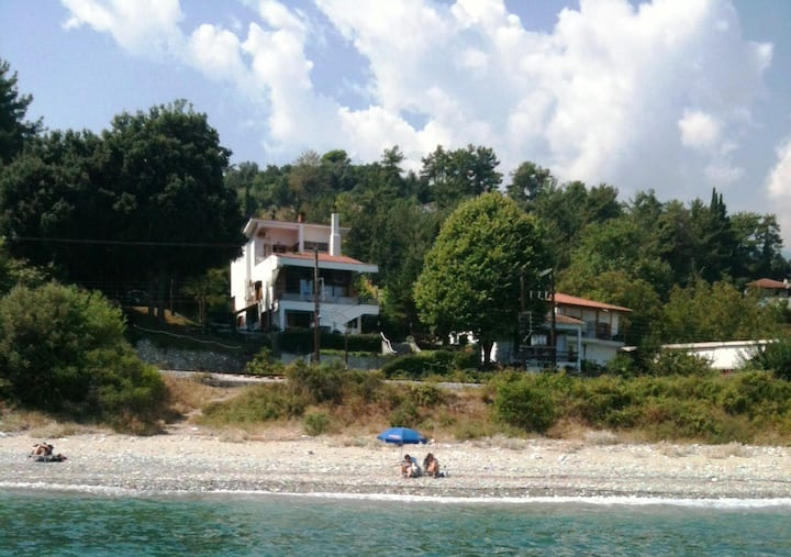 Porto Voulis - Beach Villa under Platamon Castle