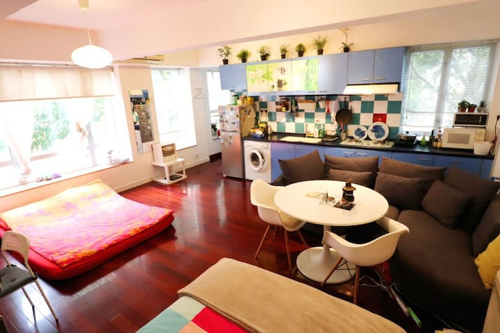 Central - SOHO - Spacious studio 3 Beds