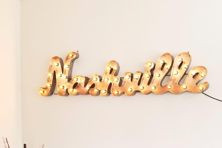 The Nashville Nook