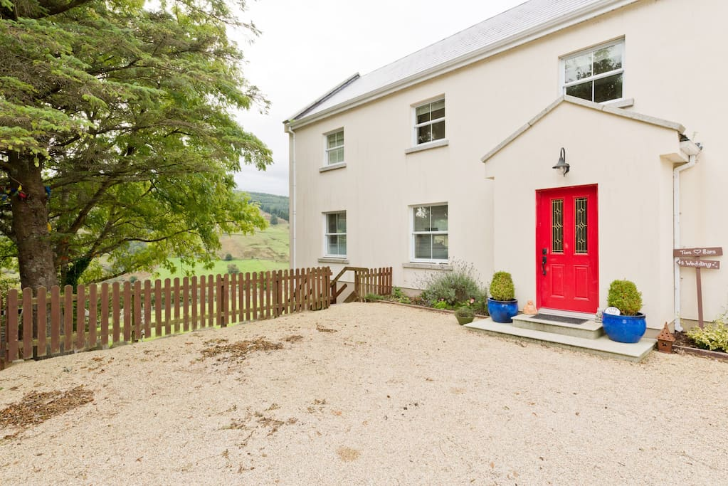 Wicklow Way Accommodation close to Johnnie Fox's Pub. Beaufort House