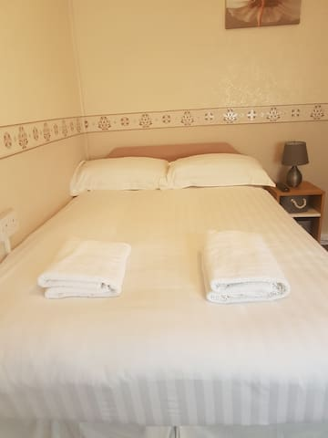 Gemini Guest House, Blackpool. Double Room 4