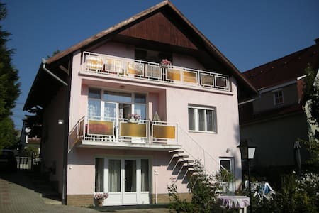 Haus Jeremias therme - Rosa Appartement